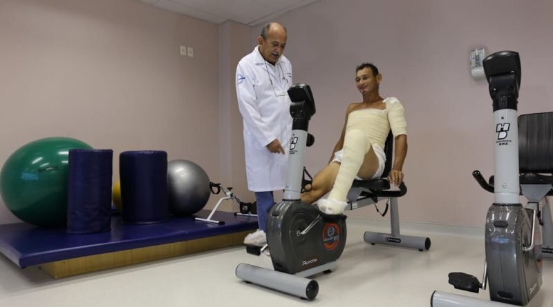 LEGENDA: Centro de Queimados do 28 de Agosto realiza terapia de recuperação pelos movimentos com pacientes