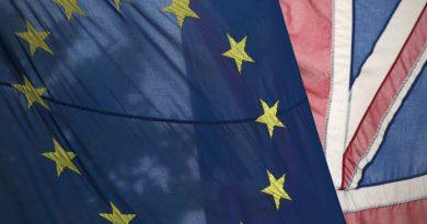 Brexit: Londres se compromete a pedir adiamento se não houver acordo
