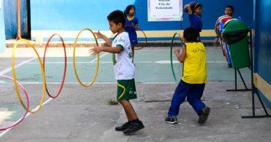 Blitz do Esporte, promovido pela Oela, recebe crianças e jovens para uma manhã de atividades esportivas