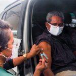 Aplicação da 1ª dose da vacina contra a Covid-19 é retomada em Manaus